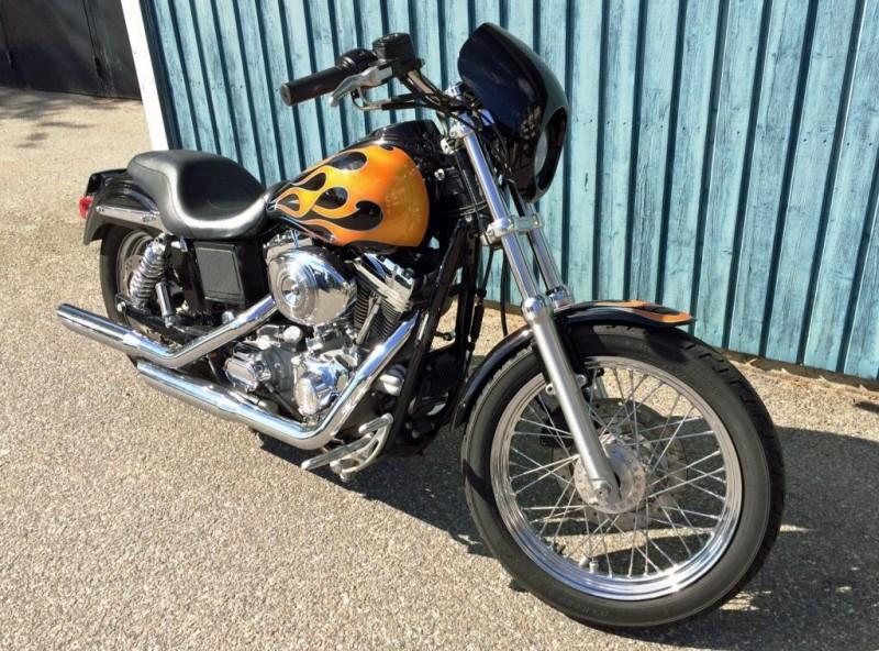 Efterlysning – Svart Harley-Davidson FXDCI Dyna Super Glide stulen i Upplands Väsby