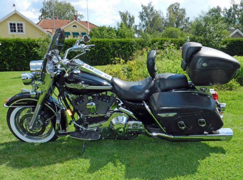Efterlysning – Svart Harley-Davidson Road King Classic Jubileum stulen i Helsingborg