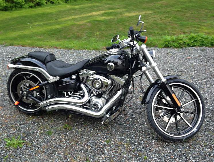 Efterlysning – Svart Harley-Davidson FXSB Softail Breakout stulen i Sundbyberg