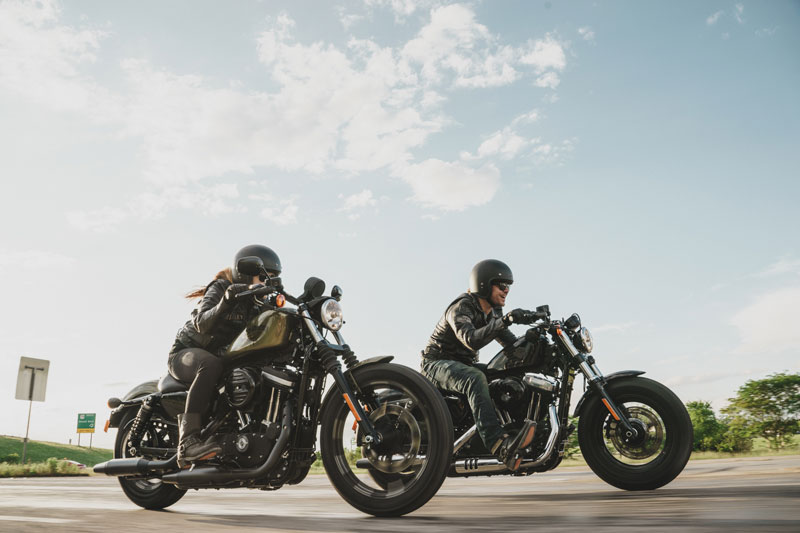 Harley-Davidson Sportster Iron 883 och Forty-Eight