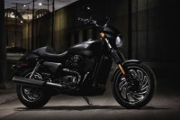 Mer godis till Harley-Davidson Street