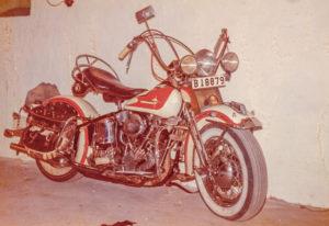 Jättelika så kallade Texas-sadlar var det första som Björks Motor importerade från Harley-Davidson. Här är en av dem monterad på en av Börje Björks tidigare hojar.
